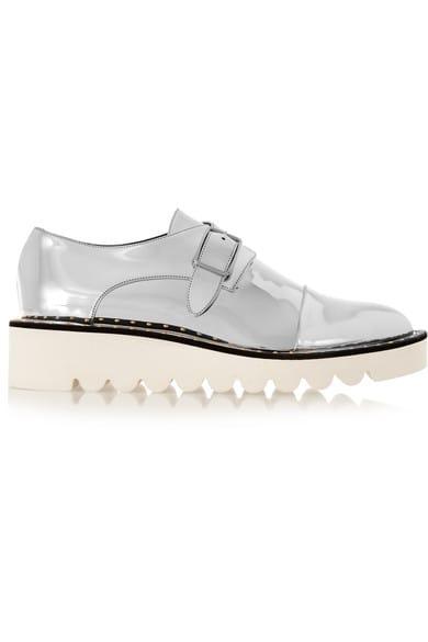 هذا هو الحذاء المفضل عند نجمات العالم