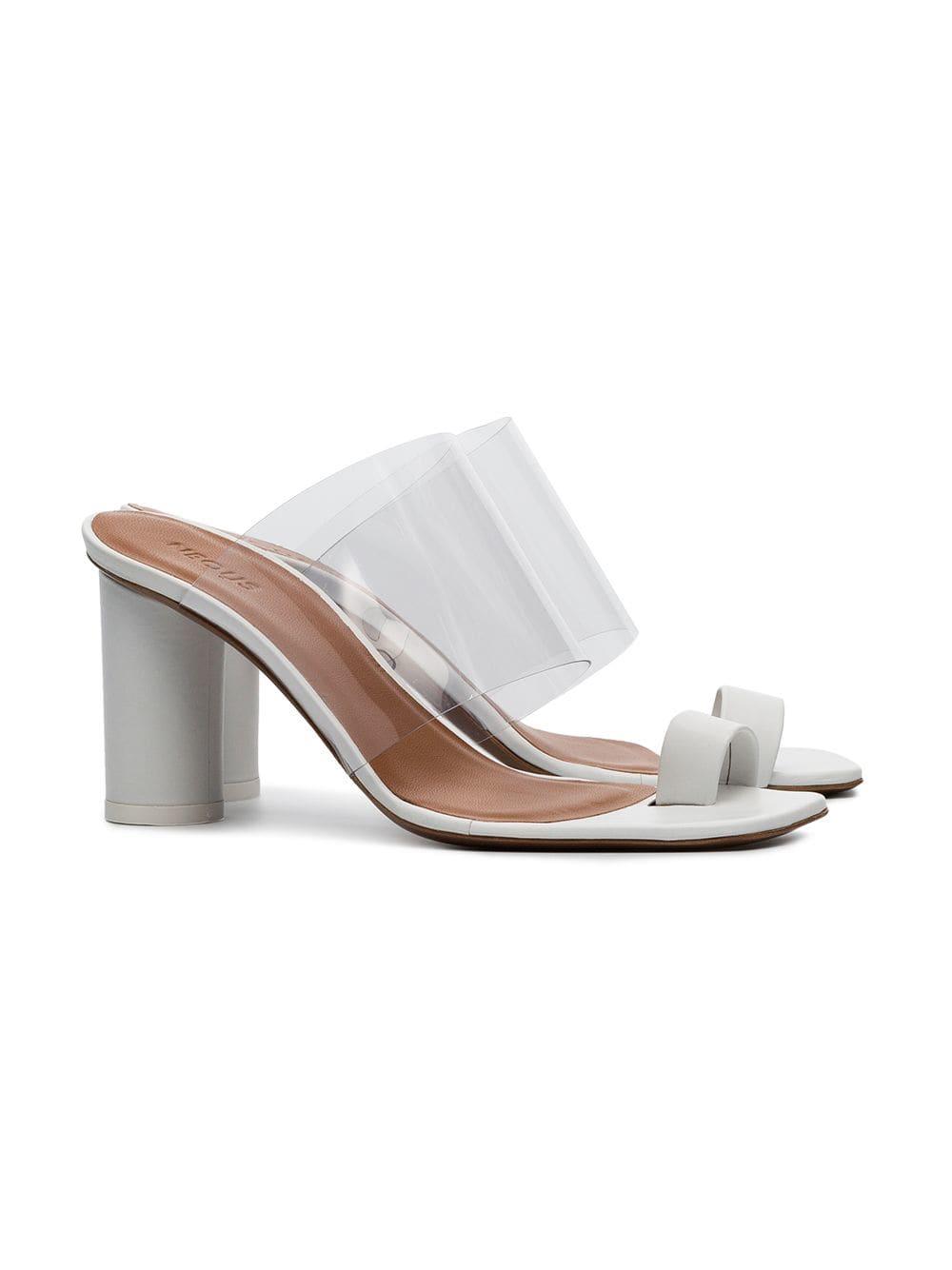 هذه هي الأحذية التي كنا ننتظرها بفارغ الصبر